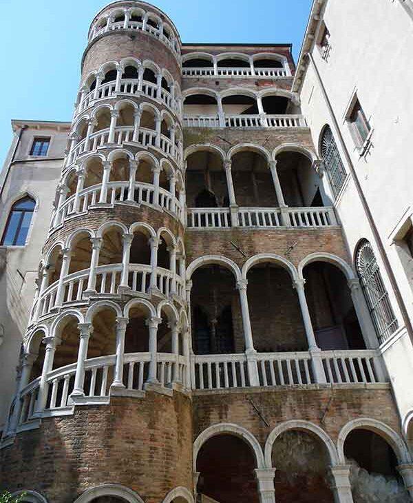 torre del bovolo posto insolito